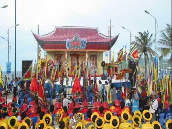 Điểm danh những lễ hội mùa hè nổi bật ở Việt Nam