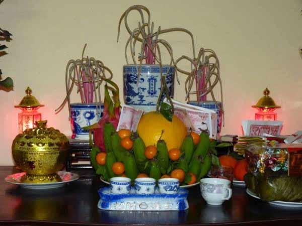 Bàn thờ gia tiên có mấy bát hương mới chuẩn tâm linh?